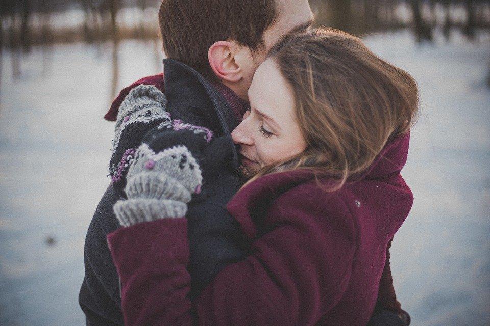 既婚女性と独身男性のカップルは別れても復縁できる!忘れられない彼の今の気持ちとやり直す方法