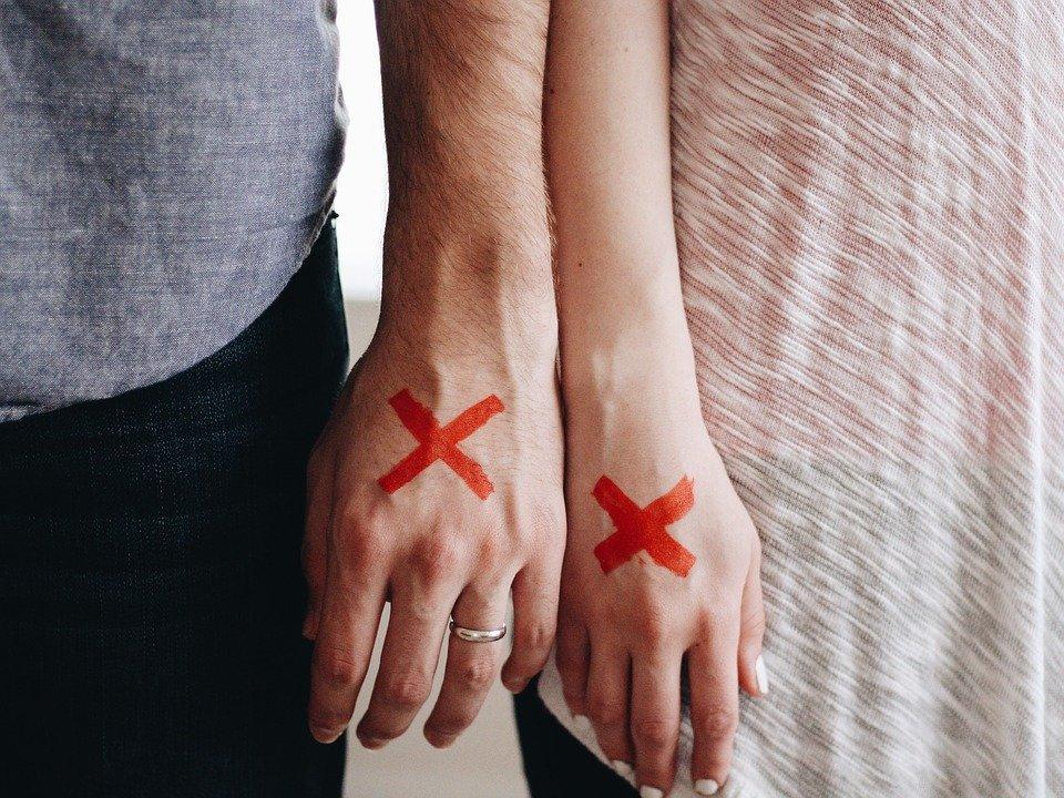 不倫の終わらせ方…好きだけど別れるから難しい。独身女性が関係を終わらせる方法&既婚者同士の別れ方
