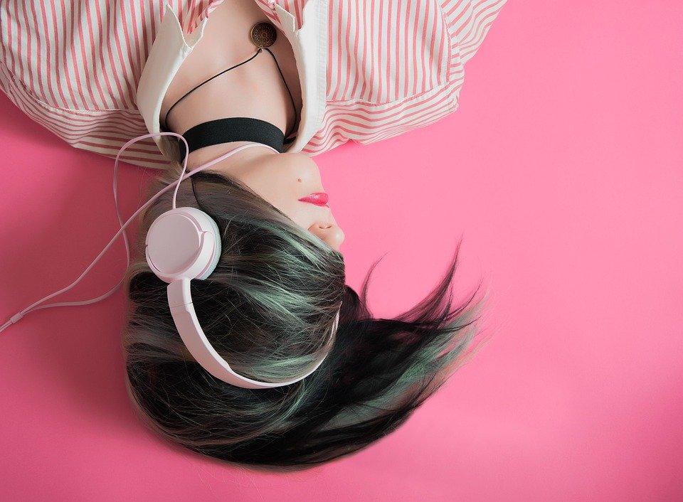 不倫を歌った名曲・最新ソングや洋楽をまとめて紹介!切ない歌詞に共感できる曲特集
