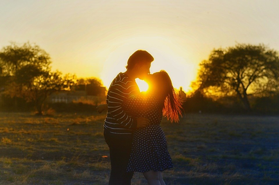 ソウルメイトが既婚者だった時の向き合い方。相手が既婚の場合・お互い結婚している時の対処法